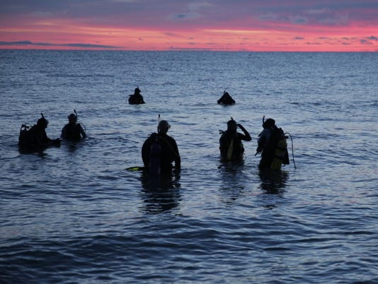 elff Huron_Sunrise_Divers