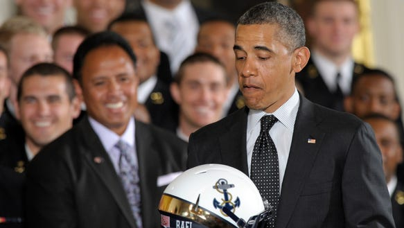 AP Obama Navy Football_001