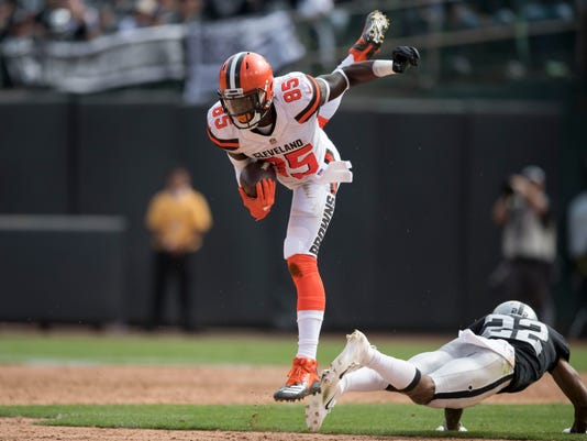 USP NFL: CLEVELAND BROWNS AT OAKLAND RAIDERS S FBN OAK CLE USA CA