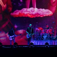 The Smashing Pumpkins rocks Sioux Falls with three-hour show