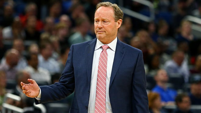 Feb 8, 2018; Orlando, FL, USA; Atlanta Hawks head coach Mike Budenholzer against the Orlando Magic at Amway Center. Mandatory Credit: Aaron Doster-USA TODAY Sports