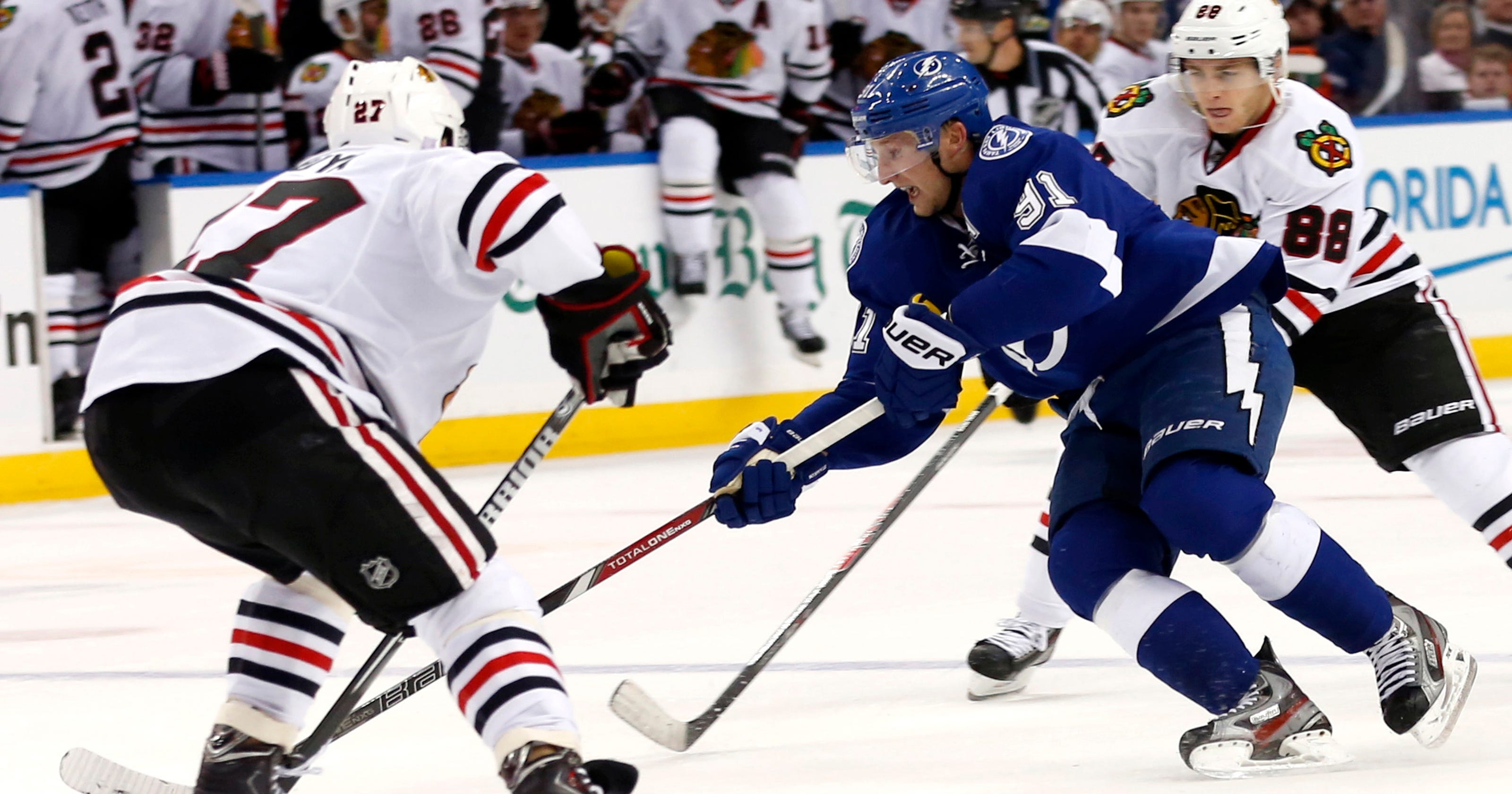 fee20cb028b Lightning outscore Blackhawks 6-5 in overtime win