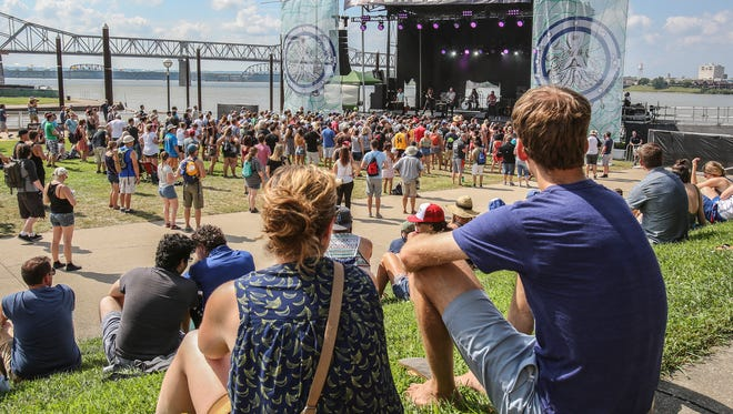 Music fans listen to Quiet Hollers on Friday afternoon at Forecastle.July 14, 2017