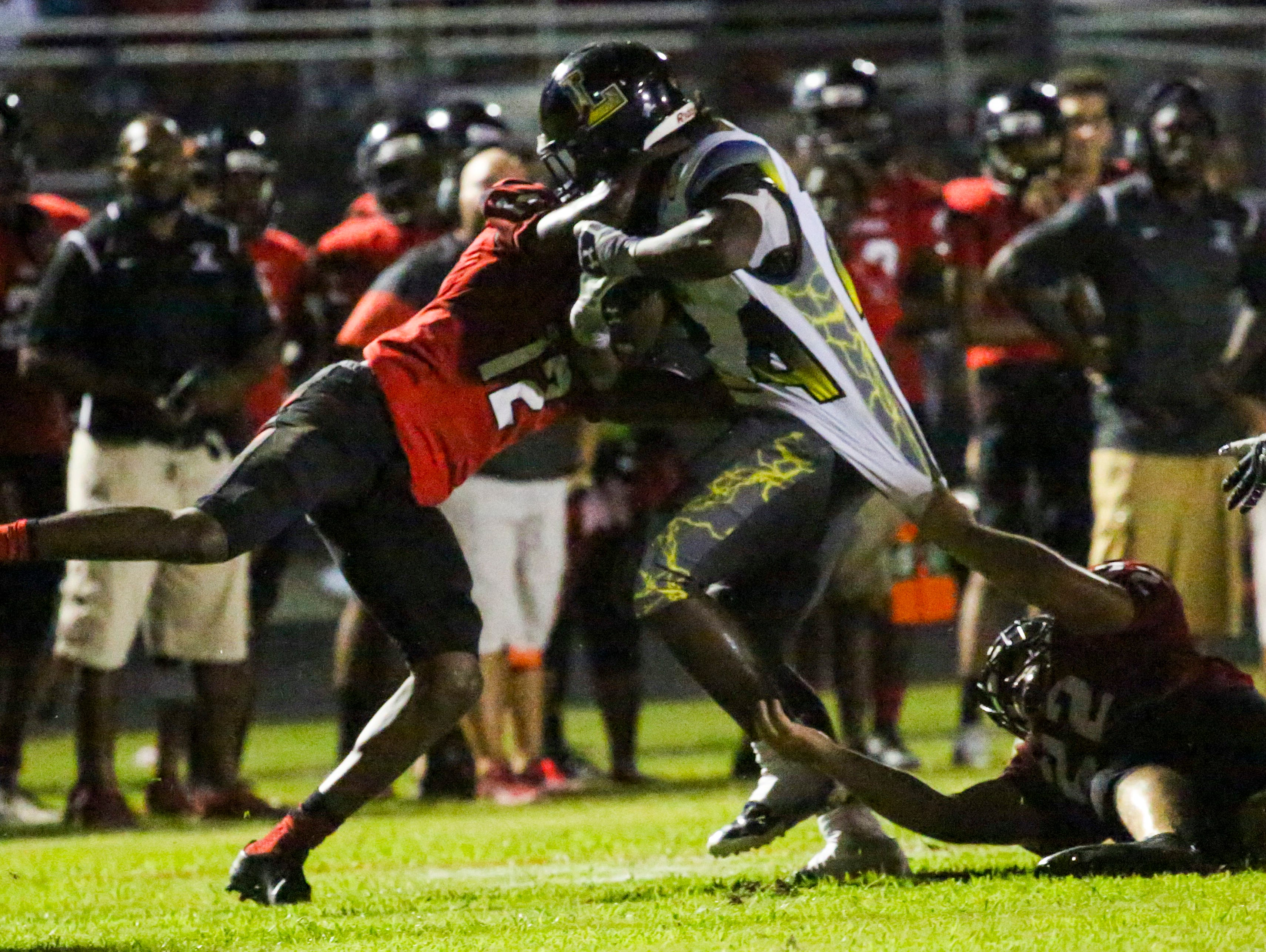 South Fort Myers, which held off Lehigh 20-16 last week, is ranked No. 3 in the Lee County Fab 5.