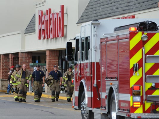 01 CGO 0916 Petland Fire