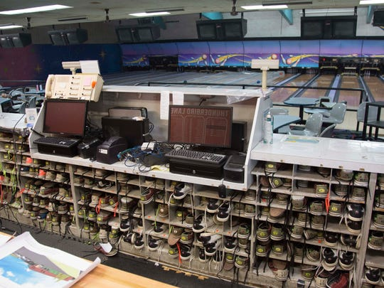 The scenery inside Thunderbird Lanes before the bowling alley was redone as an office building.