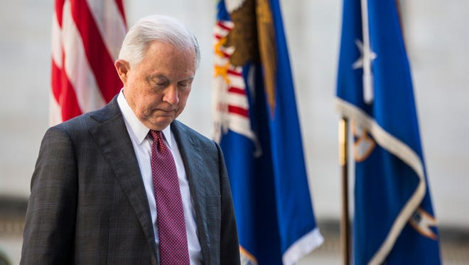 Jeff Sessions, fiscal federal.