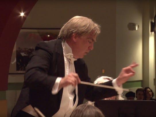 Daniel Bruce conducts the Burlington Civic Symphony