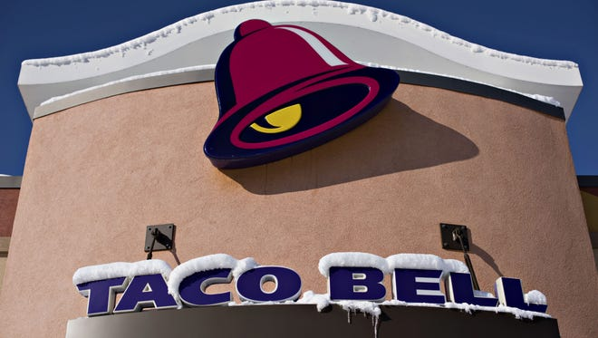 More than 500 current and former Taco Bell employees have joined a federal lawsuit alleging the Brighton-based Sundance Inc.used various policies to avoid paying employees for time worked.