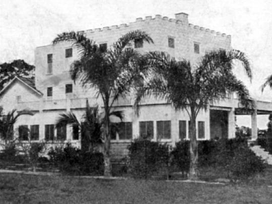 The Palm Villa Hotel in Palm City in the 1910s.