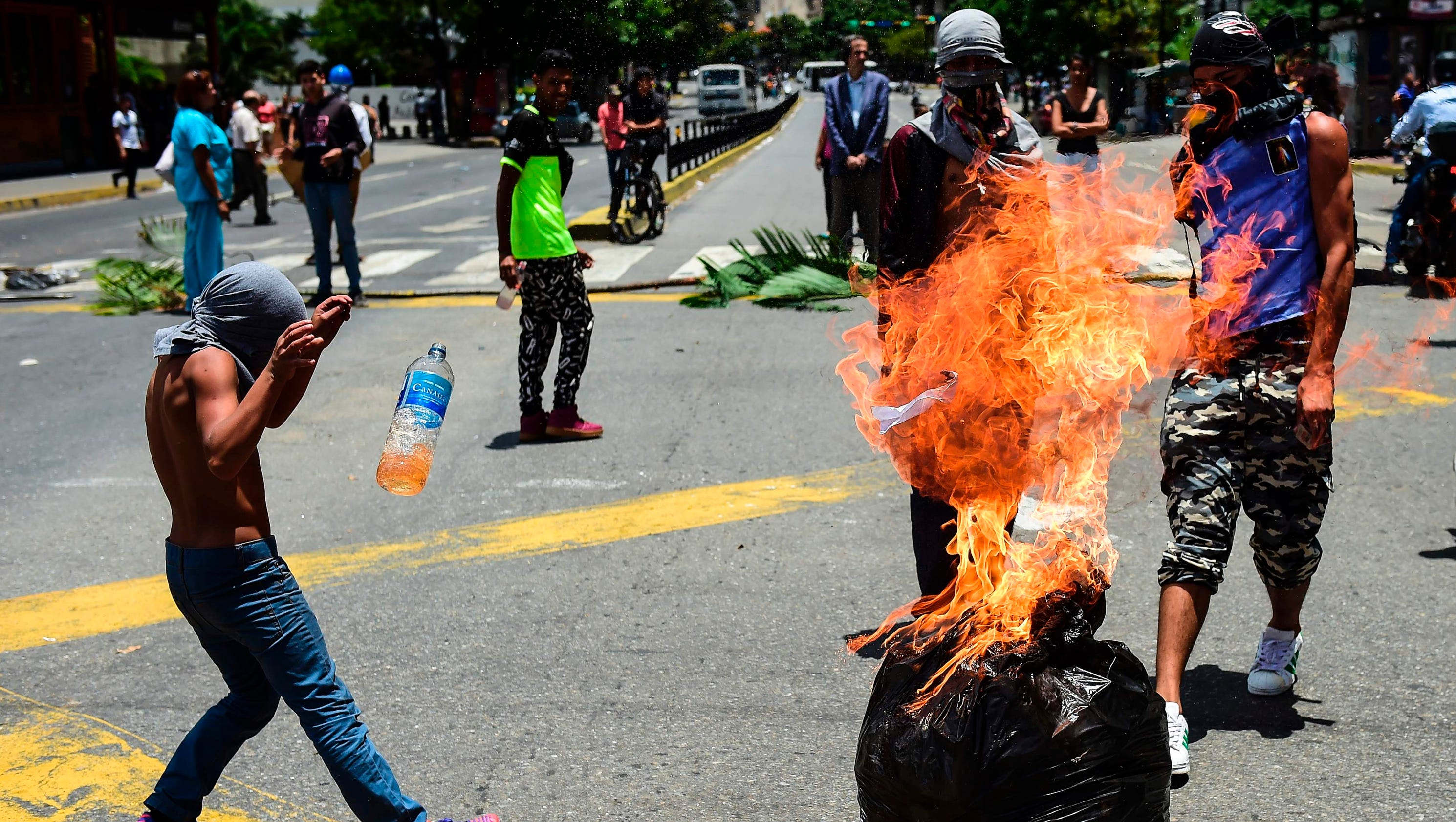 What the U.S. government should do about Venezuela: Nothing