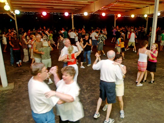 The free Saturday night Big Band Dances in the Event Shelter at Centennial Park attract all ages.