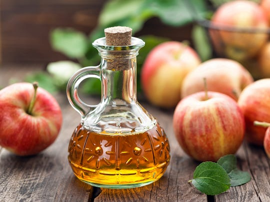 Vinegar, such as apple cider vinegar, is essential in the preparation of mustard, cold sauces and vinaigrette.