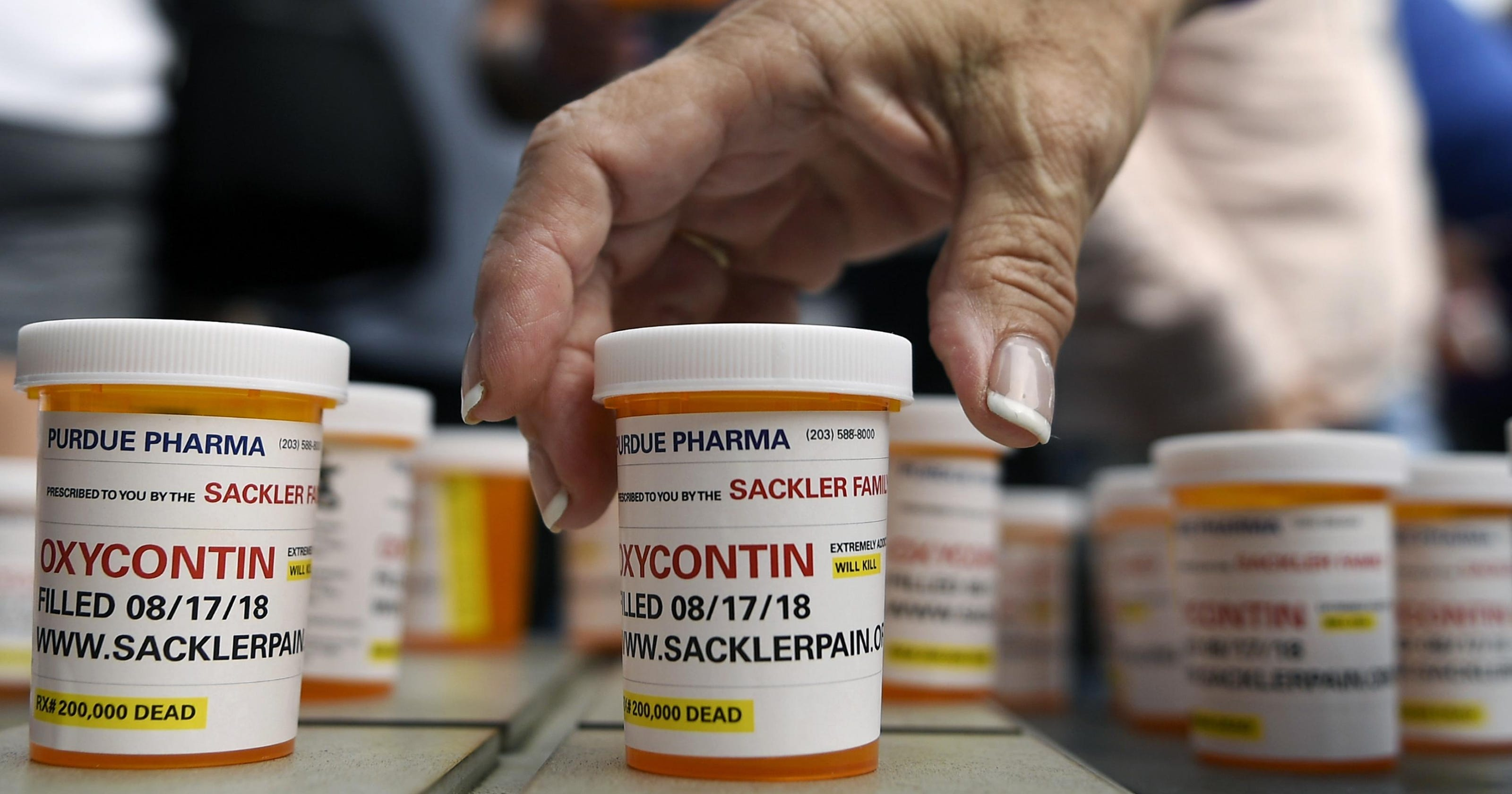 Pharma Company May Have Downplayed Side >> Lawsuits Ramp Up Pressure On Owners Of Opioid Company
