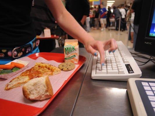 -091809 District Lunch 01 JS.jpg_20090923.jpg