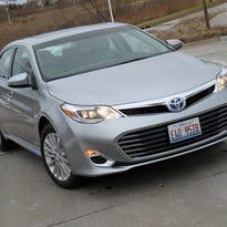 Toyota updates look of Avalon sedan