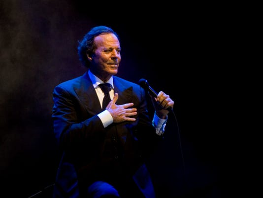 Spanish singer Julio Iglesias performs during a concert in Playa del Carmen, Mexico, Friday, Jan. 30, 2009.