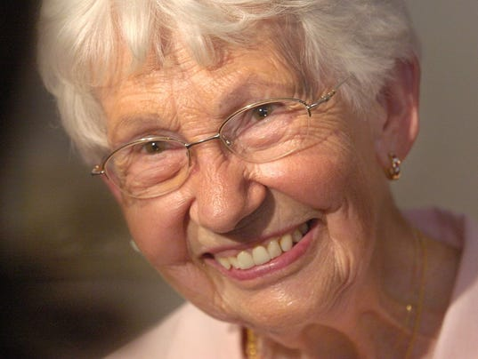 carpet wrinkle in church david lettermans mom dorothy mengering dies at 95