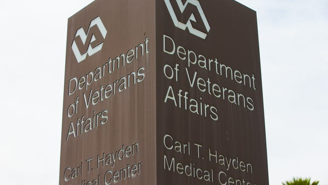 The U.S. Office of Special Counsel says Phoenix's VA hospital continues to struggle with delayed care for patients nearly three years after it became the focal point of a national health care crisis for veterans.