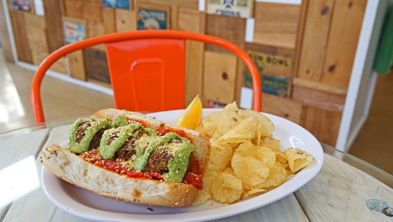 11 Restaurants In Milwaukee That Offer Vegetarian And Vegan