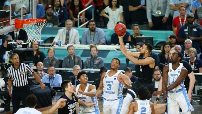 Gonzaga's Nigel Williams-Goss puts up a shot against North Carolina during the second half of the NCAA national championship game between North Carolina and Gonzaga at University of Phoenix Stadium in Glendale on Monday, April 3, 2017.