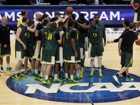 NCAA Oregon Basketbal_Davi.jpg