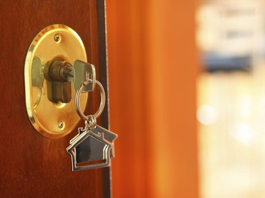 how to find buyers as a new real estate agent