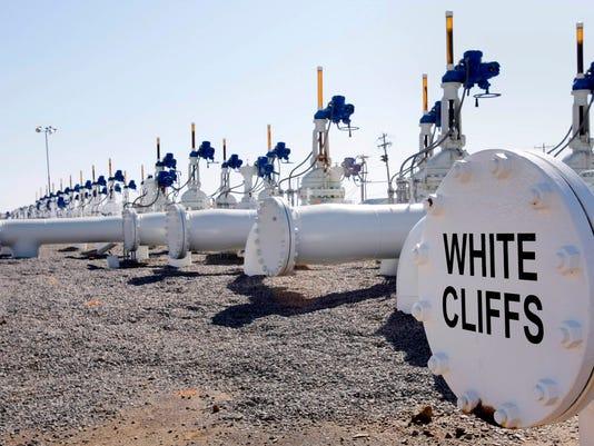 OIL GLUT FULL TANKS.jpg