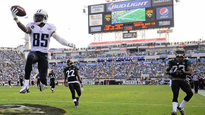 WR Nate Washington hauls in the Titans' winning TD Sunday in Jacksonville.
