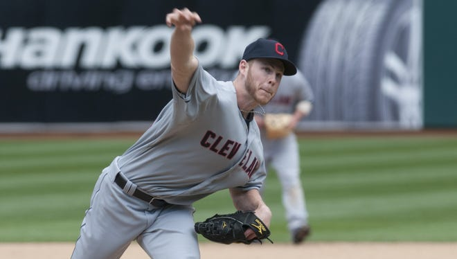 The Reds signed right-hander Blake Wood on Friday.