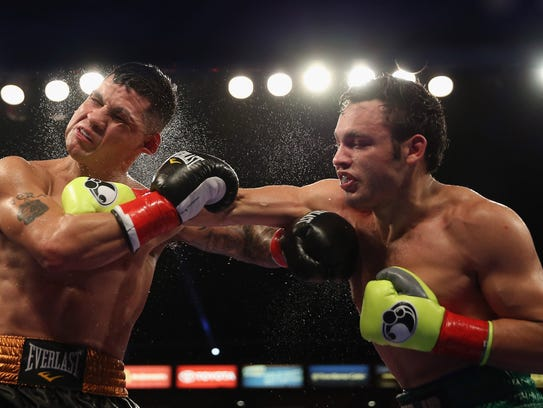 LOS ANGELES, CA - SEPTEMBER 28:  Julio Cesar Chavez