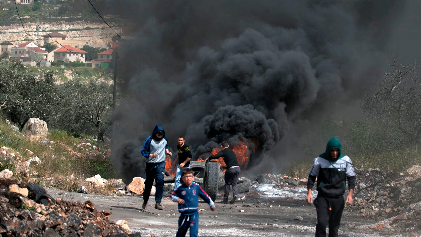 Palestinian kills 2 Israeli soldiers in car ramming: reports
