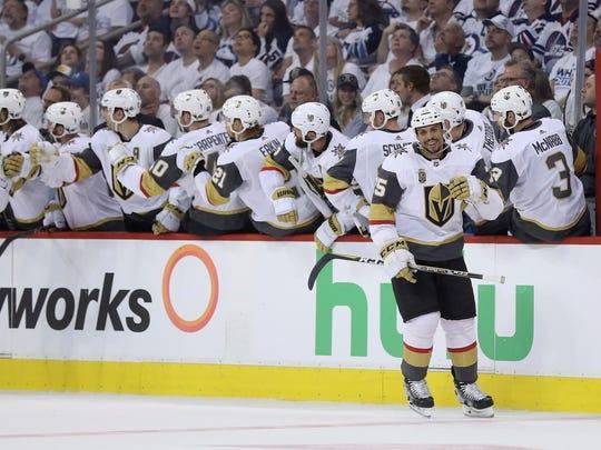 Golden_Knights_Jets_Hockey_89818.jpg