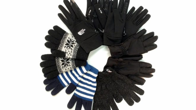 We tried six varieties of touchscreen gloves to figure out which ones were the most effective.