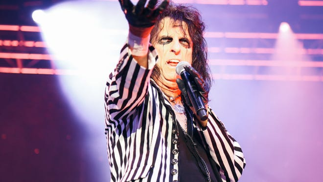 Alice Cooper performing at The Pavilion at The Centre of Tallahassee on Tuesday, August 16, 2016.