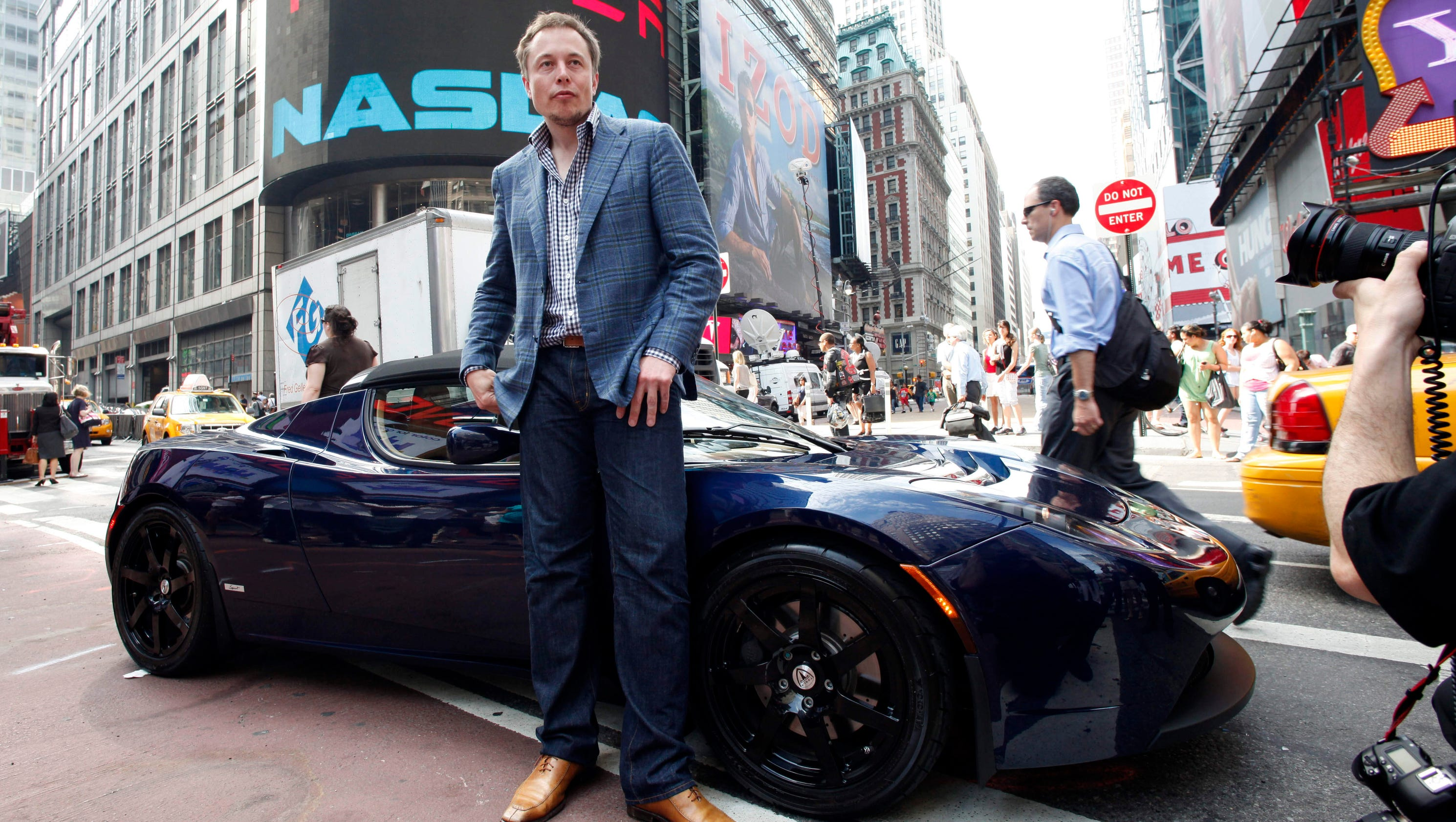Can Musk avoid fate of DeLorean