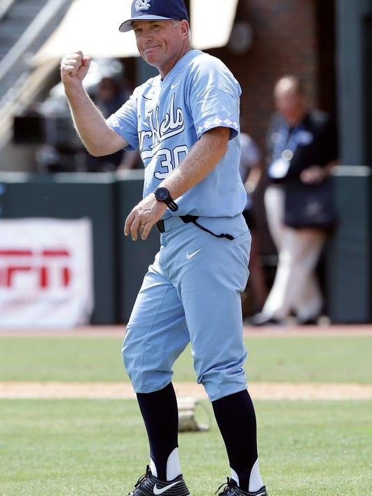 NCAA_Stetson_North_Carolina_Baseball_20824.jpg