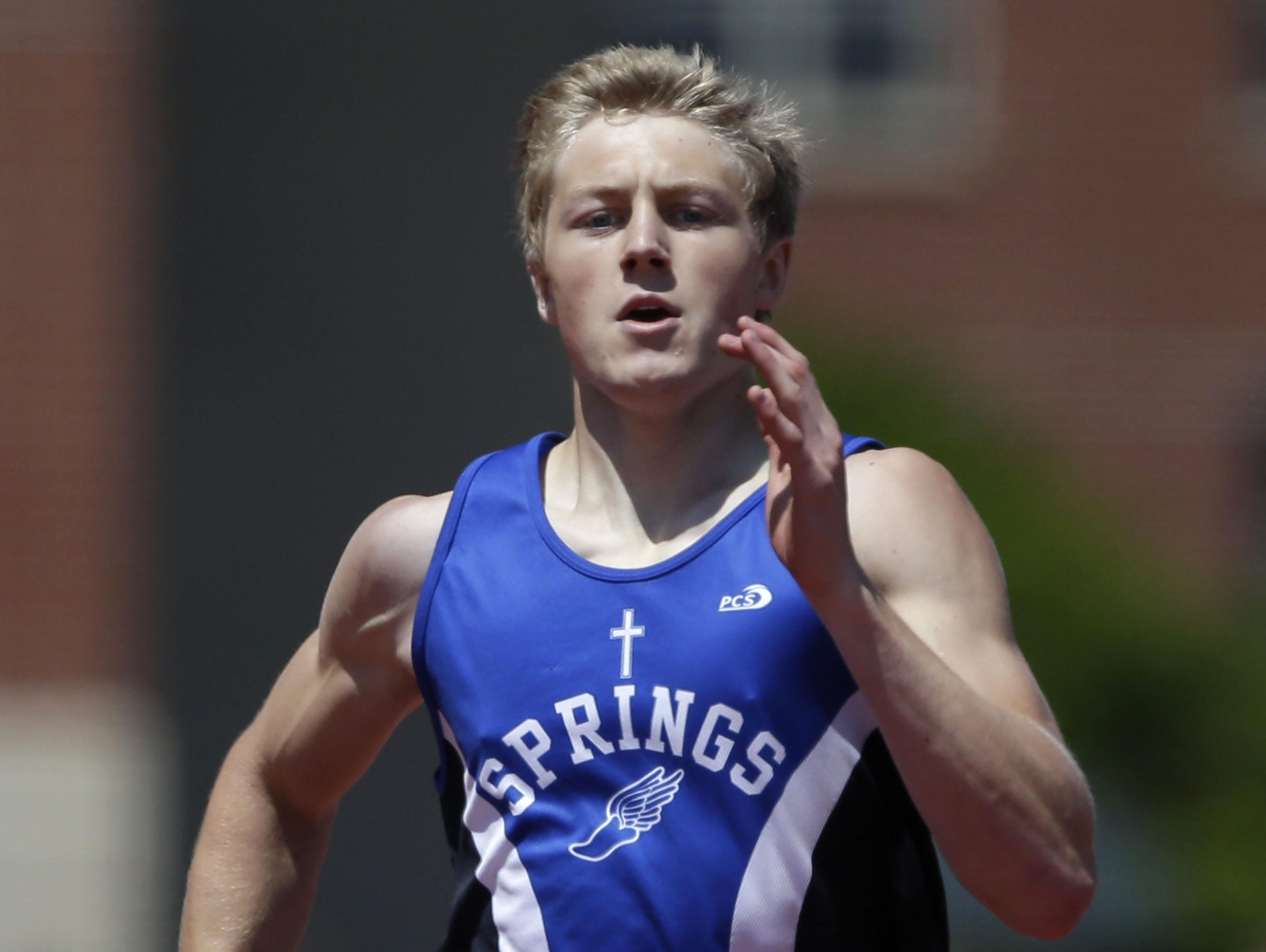 Sam Spranger of St. Mary's Springs races to the finish line to win the Division 3 400 meters on Saturday.