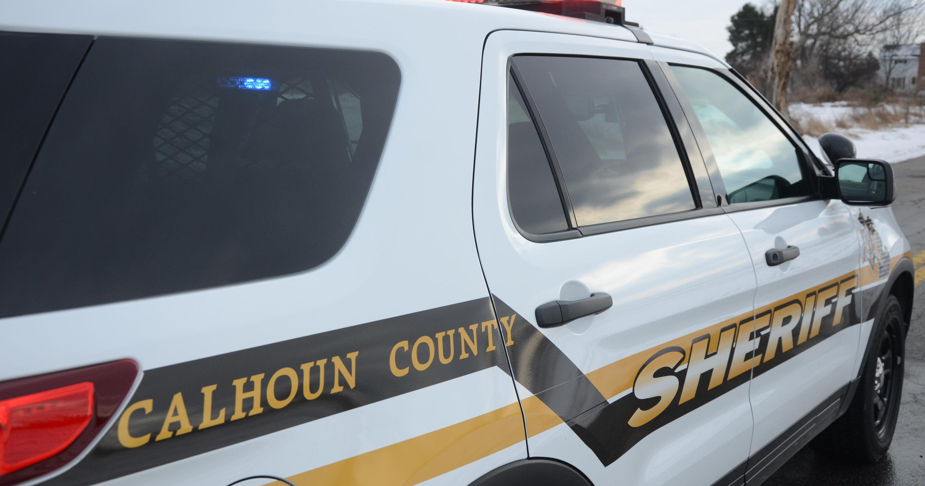 Two die in separate weekend crashes in Calhoun County