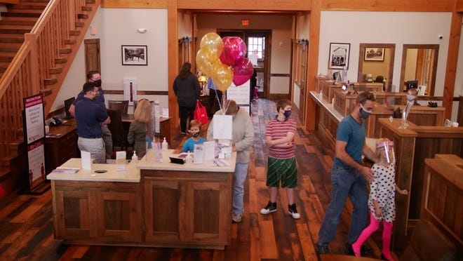 Lyons National Bank's Farmington office opens with a community event featuring tours, ice cream and giveaways.