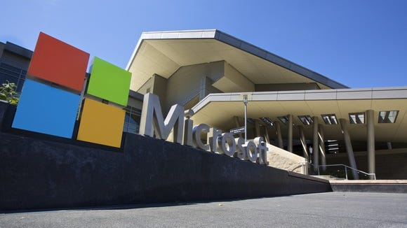 Picture of Microsoft office building with logo in front.