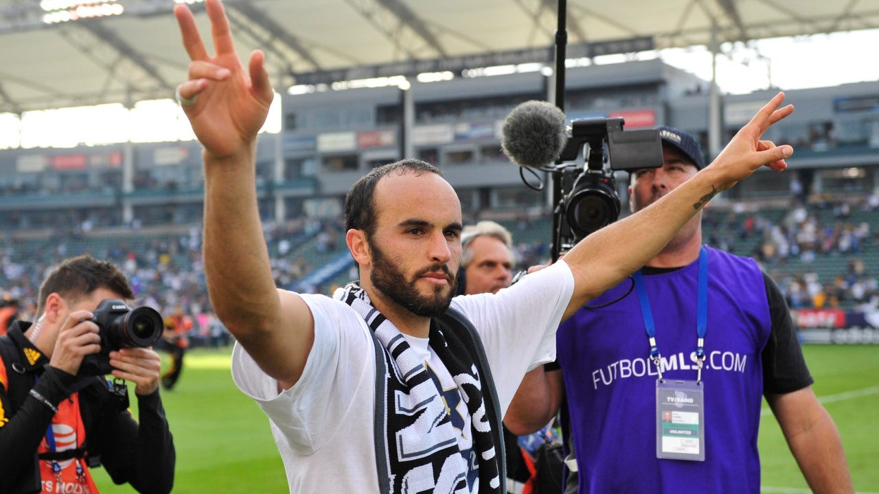 Former MLS and U.S. national team captain Landon Donovan announced on Thursday that he is coming out of retirement and returning to the Los Angeles Galaxy.