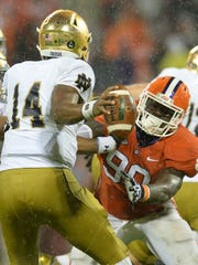 Shaq Lawson (90) had a season-high 3.5 tackles for loss in Clemson's 24-22 victory against Notre Dame on Oct. 3.