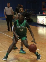 Fort Myers junior Autumn Giles has been a playmarker for the Green Wave this season.