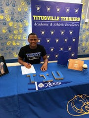 Jalen Smith of Titusville baseball signed on March