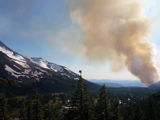 The Whitewater Fire burning in the Mount Jefferson
