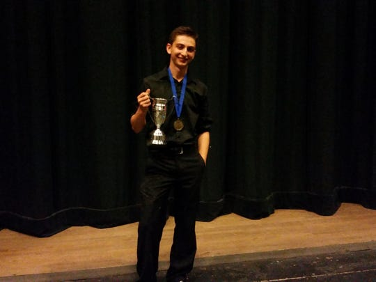 Highland Park High School senior Jonah Botvinick-Greenhouse recently won a gold medal the the 69th annual International Juggling Association festival.