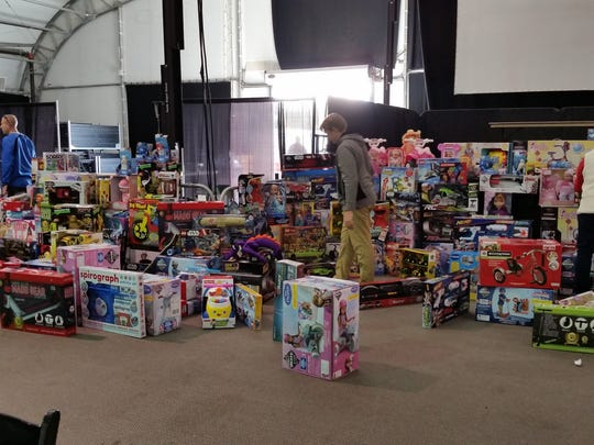 More than 500 golfers donated toys in lieu of paying greens fees at four Mesquite golf courses during the 12th annual Golf Fore Kids event Thursday, Dec. 8, 2016.