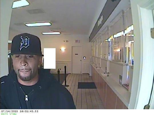 Redford Robbery7 - 07-14-15