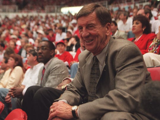 Former Detroit Red Wing Ted Lindsay in 1997, the year the Wings broke the 42-year Stanley Cup championship drought.